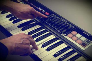 синтезатор XPS-10