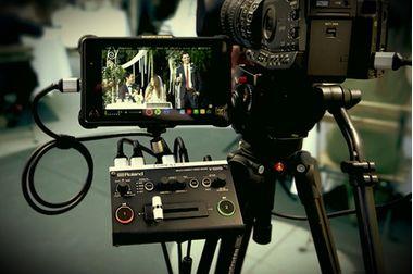 Roland V-02HD — мультиформатный видеомикшер